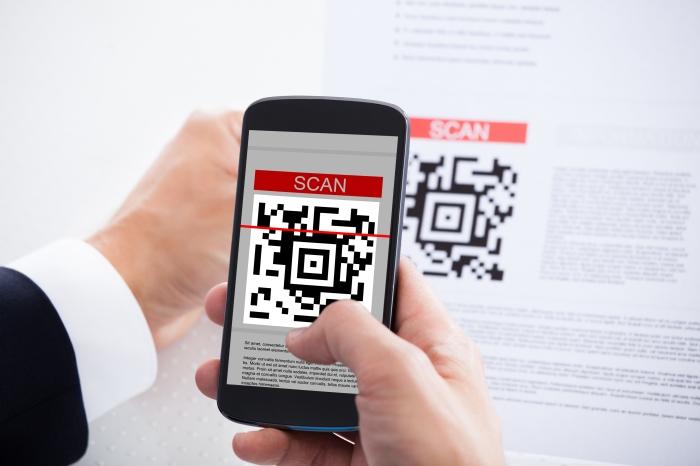 包装以及个人名片上,用户还可以通过手机扫描二维码,或输入二维码下面